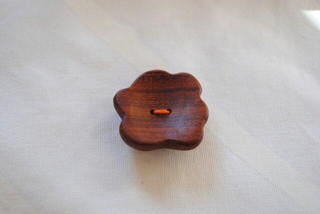 ボタン(アフリカンパドウク)の画像1枚目