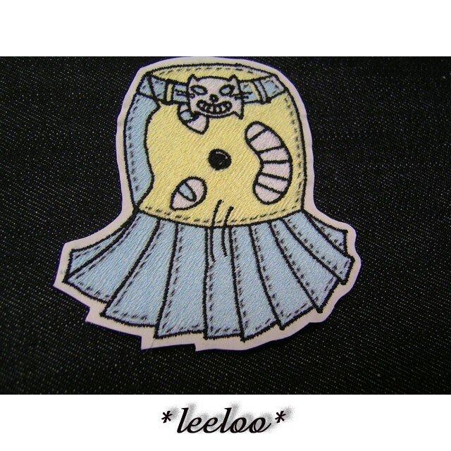 ★猫のスカートワッペン★アイロン接着★の画像1枚目
