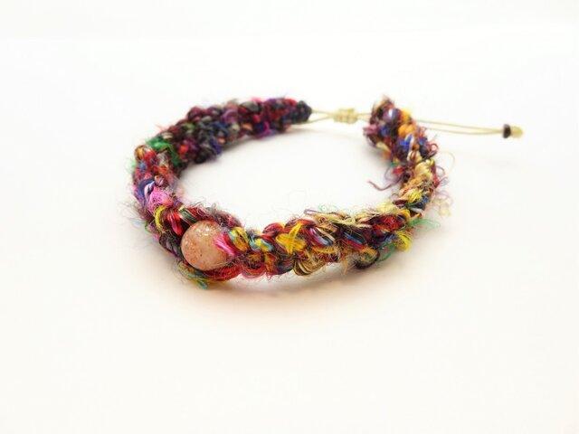ネパール産シルク紐の編み込みブレスレット BR623の画像1枚目