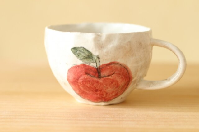 粉引き手びねりりんごのカップ。の画像1枚目