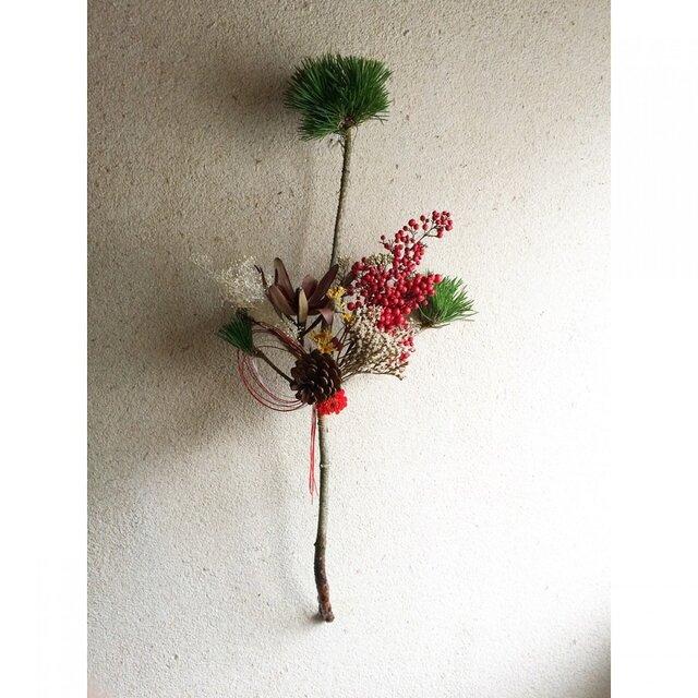 松飾り ミニダリアとかすみ草の画像1枚目