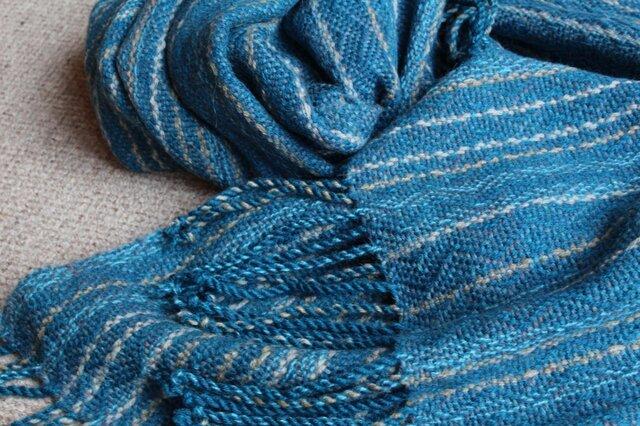手織のブランケット 藍(あい)の画像1枚目