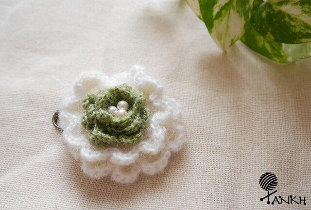 お花のコサージュの画像1枚目