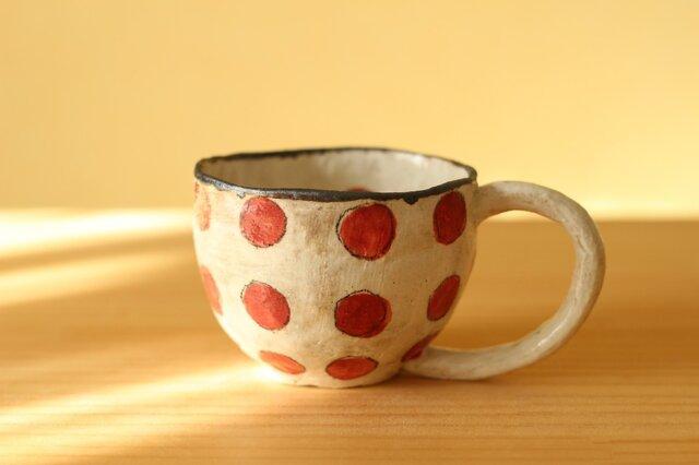 粉引きてびねり赤いドットのカップ。の画像1枚目