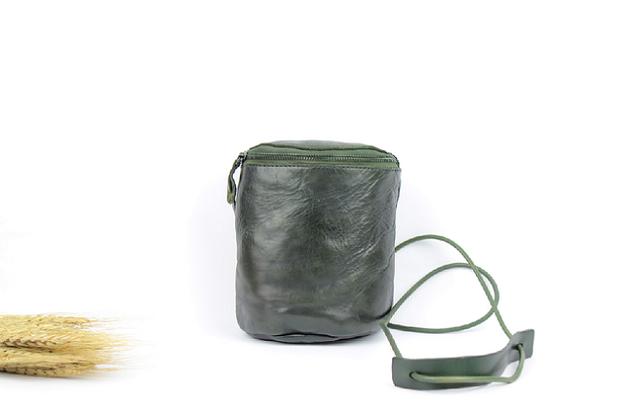 本革 かわいい半円筒形ポシェット&ショルダーバッグ ♪緑色♪の画像1枚目