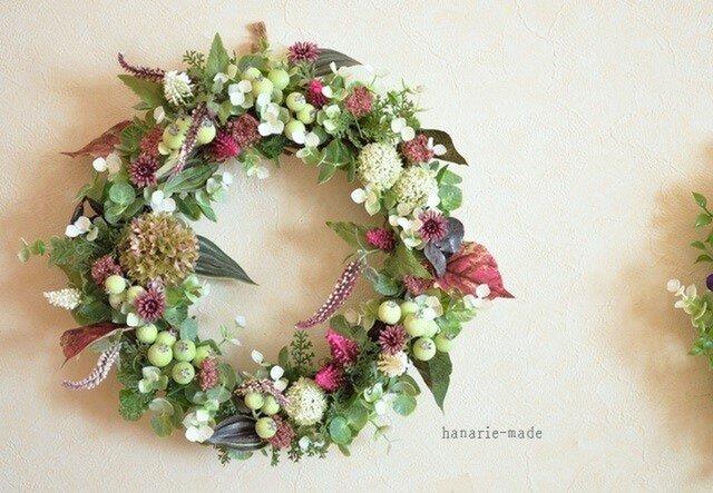 白と紅色:wreathの画像1枚目