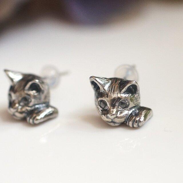 招き猫ピアス(ピクシー) 片耳の画像1枚目