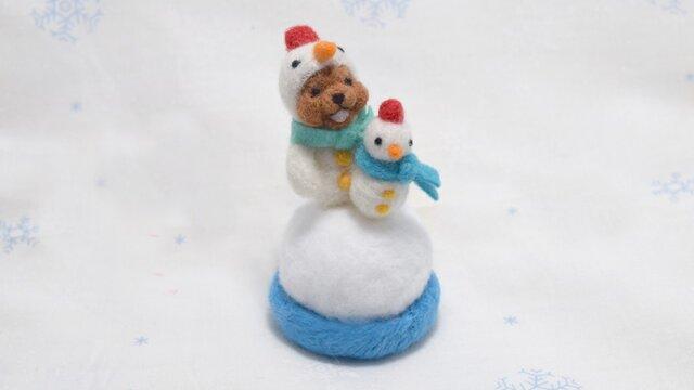 チビ雪だるまを作る雪だるまコグマの画像1枚目