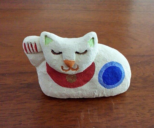 眠り猫招き(白)の画像1枚目