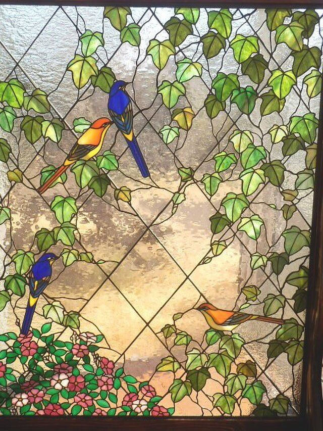 ステンドグラスの衝立 アイビーとせきれいの画像1枚目