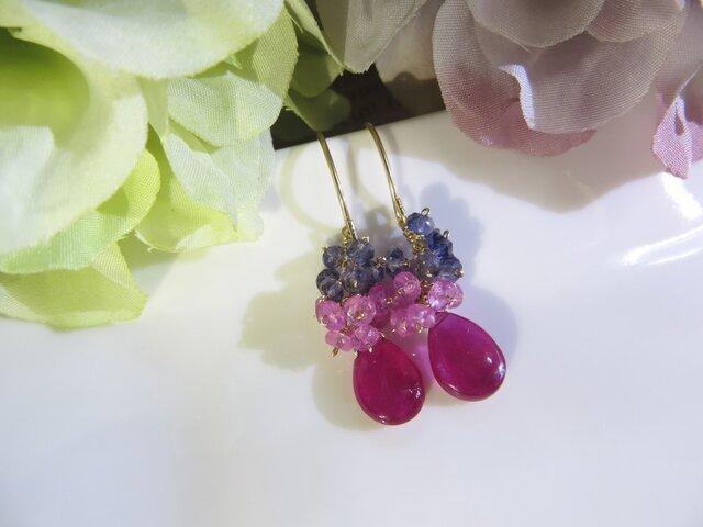 Sold:大粒ルビー×ピンクサファイア×アイオライトのピアスの画像1枚目
