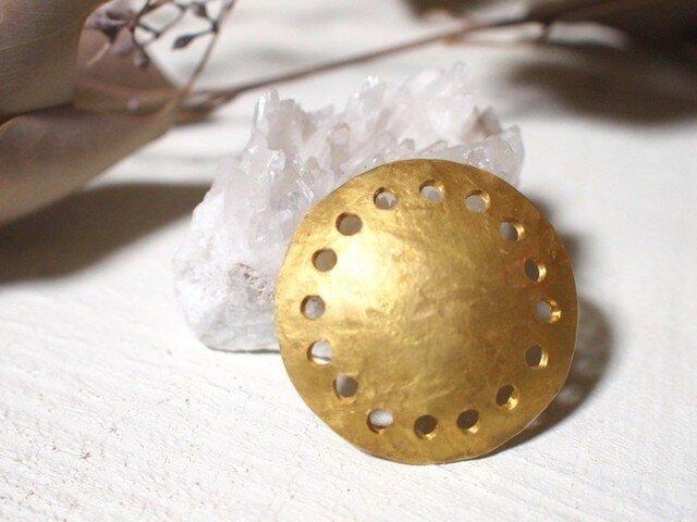 日の輪 大きめ真鍮ブローチの画像1枚目