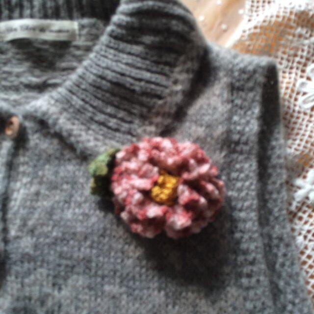 手編みブローチ♪絞り椿の画像1枚目
