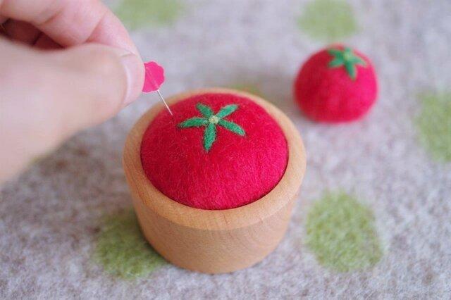 羊毛ピンクッション【針山】トマトの画像1枚目