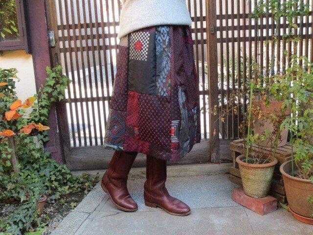 着物リメイク☆大島・お召・銘仙どれもキュートな赤と黒♪の画像1枚目