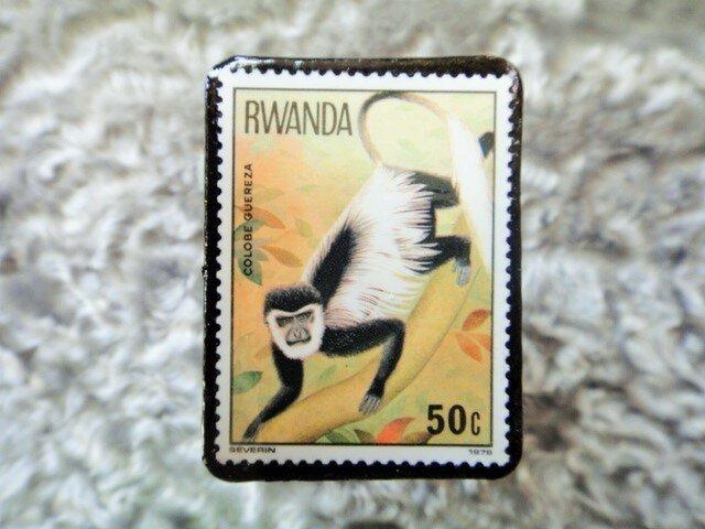 ルワンダ 切手ブローチ679の画像1枚目