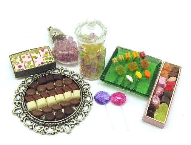 マッチ箱の中のミニチュアお菓子の画像1枚目