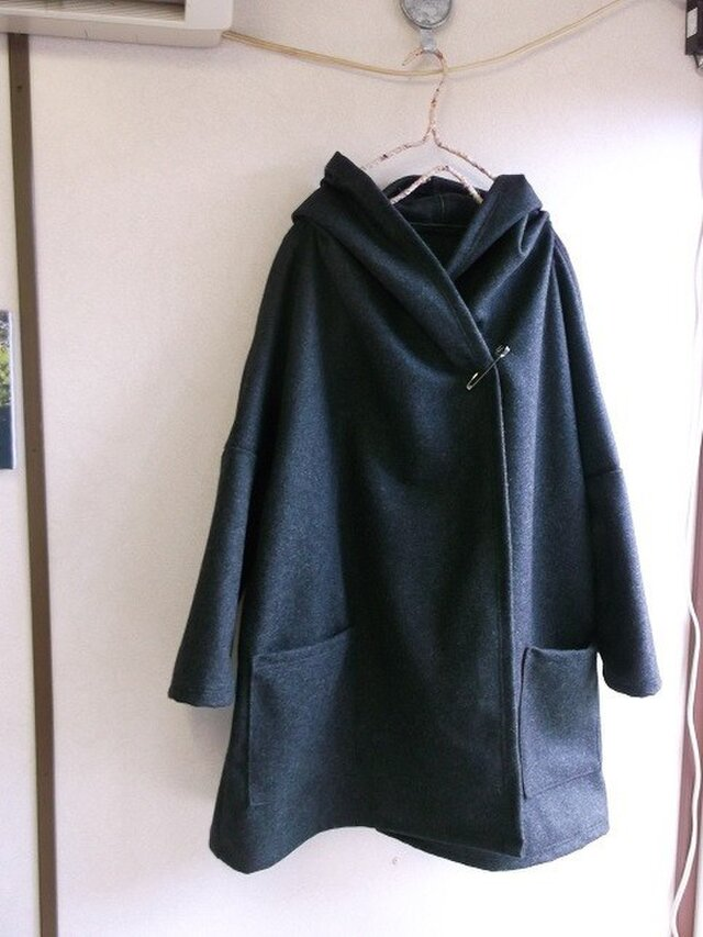 ウールフードコートの画像1枚目