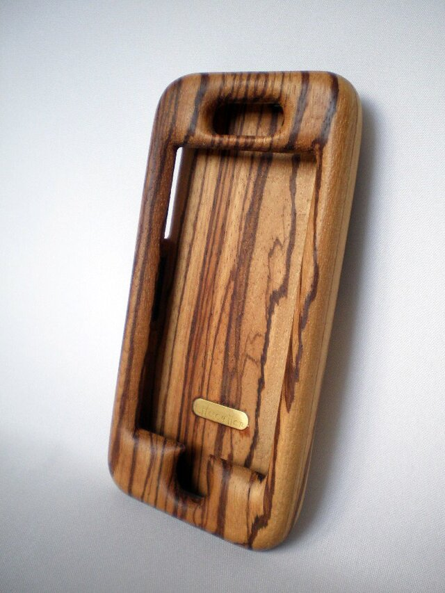 木製iPhoneケース(ゼブラウッド・フルカバー)の画像1枚目
