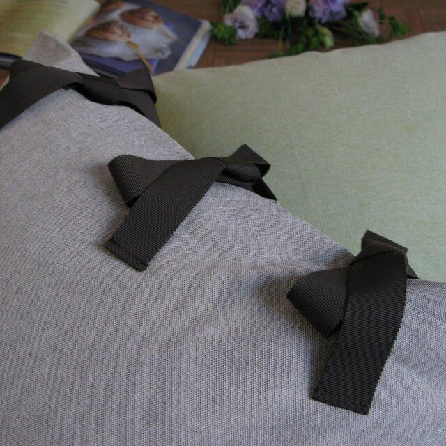 canvas chambray クッションセット ribbon SQ  (カバー+ヌードクッション)の画像1枚目