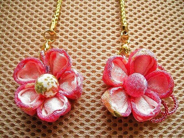 桃の花のチャーム(A)の画像1枚目