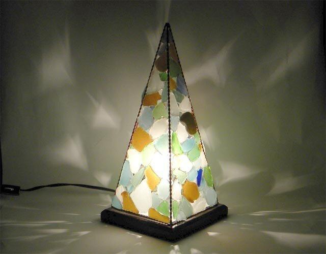 ピラミッドランプ L-1の画像1枚目