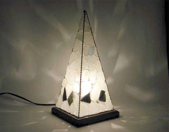 ピラミッドランプ L-2の画像1枚目