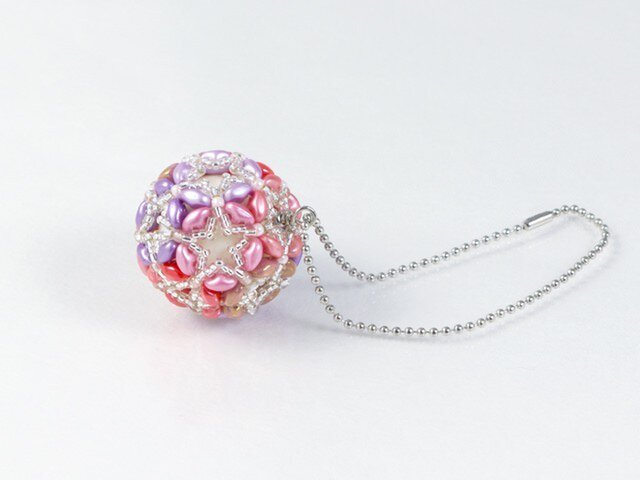 花てまりのバッグチャーム・ピンクの画像1枚目