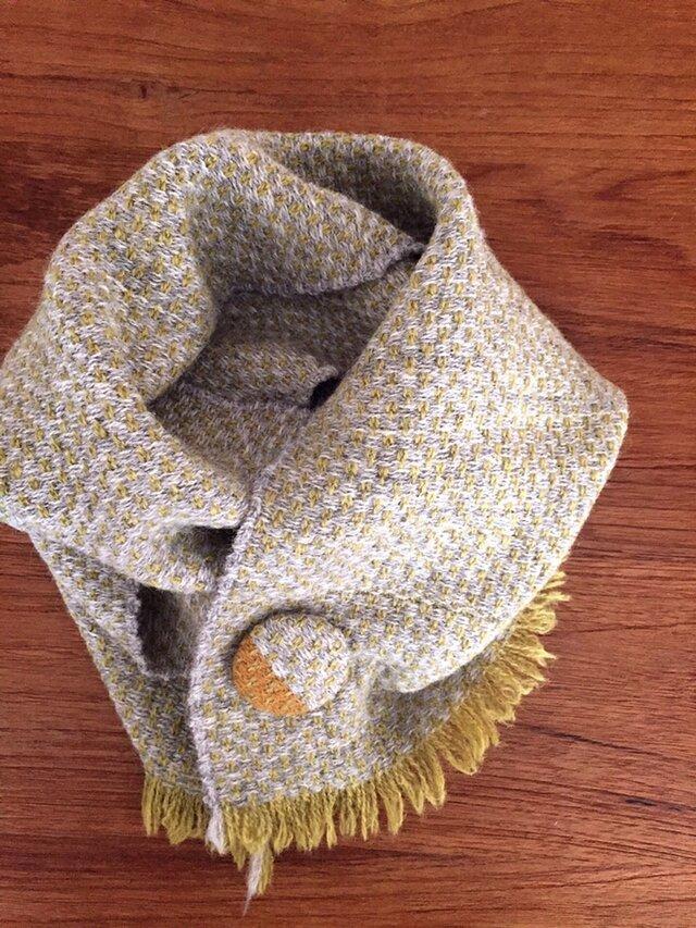 手織りブローチ付きピュアマフラーの画像1枚目