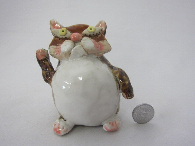 壁掛け花器にもなる招きネコちゃんの画像1枚目
