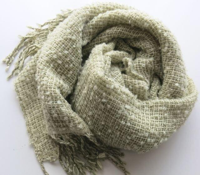草木染アルパカふわふわループ手織りショール(ライムXグリーン)の画像1枚目
