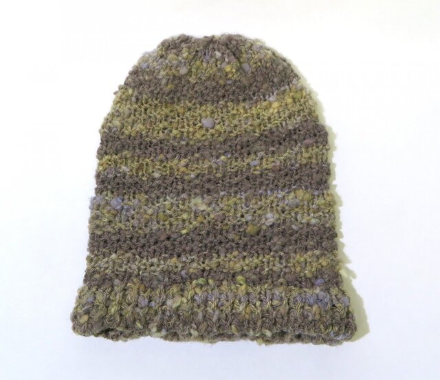糸から作った草木色の帽子の画像1枚目