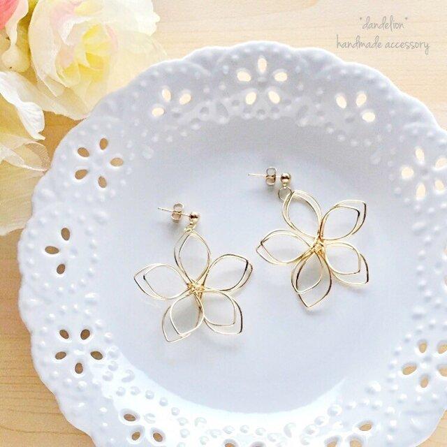 高品質~大花~ wire flower シンプルピアス/イヤリングの画像1枚目
