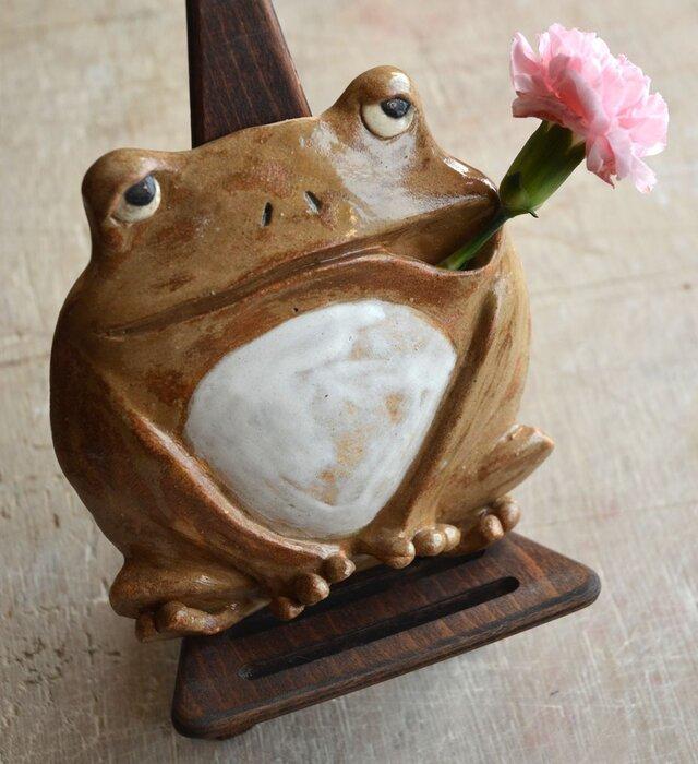 カエルの壁掛け一輪挿しの画像1枚目