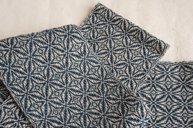手織りの藍模様半幅帯の画像1枚目