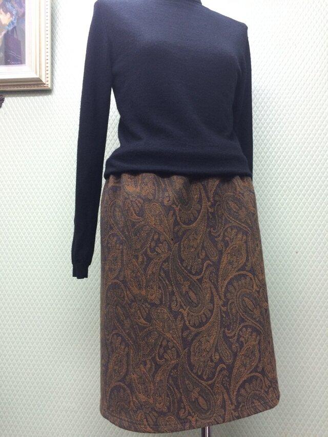 ペイズリー柄の裏カシミアスカートの画像1枚目