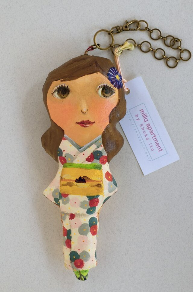おしゃれ人形「着物ー丸い花模様」の画像1枚目