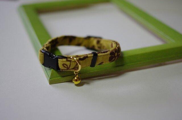 猫 アラベスク柄首輪(黄)の画像1枚目