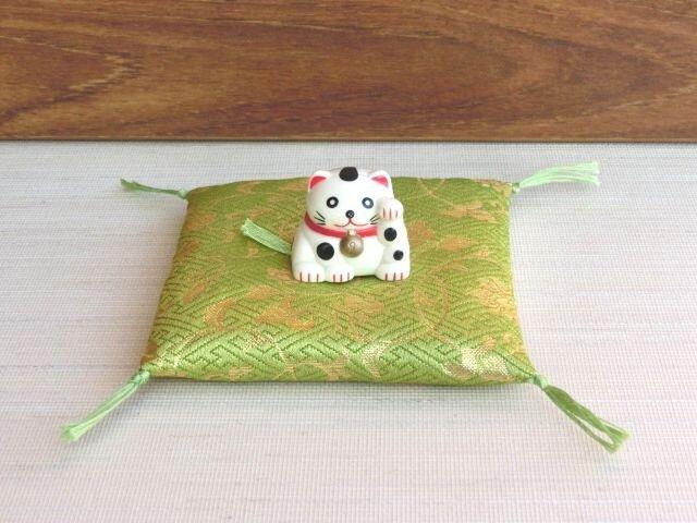 置物用お座布団 西陣織金襴さやがた 若草色 10cm角の画像1枚目