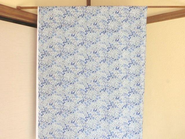 暖簾 のれん 受注製作 間仕切り・タペストリー 水色花模様の画像1枚目