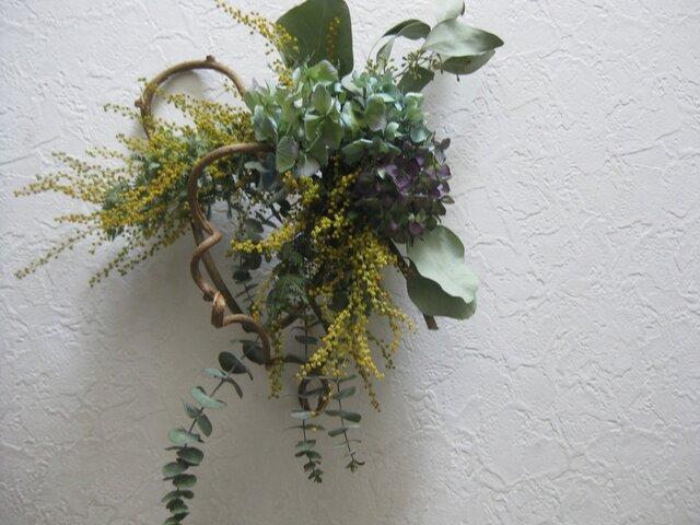 ミモザと紫陽花wreathの画像1枚目