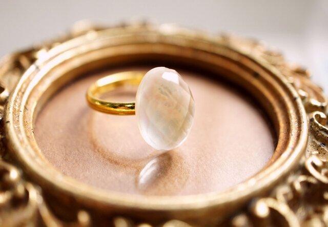 フリーサイズ★シェル&水晶のリング ~Mollyの画像1枚目