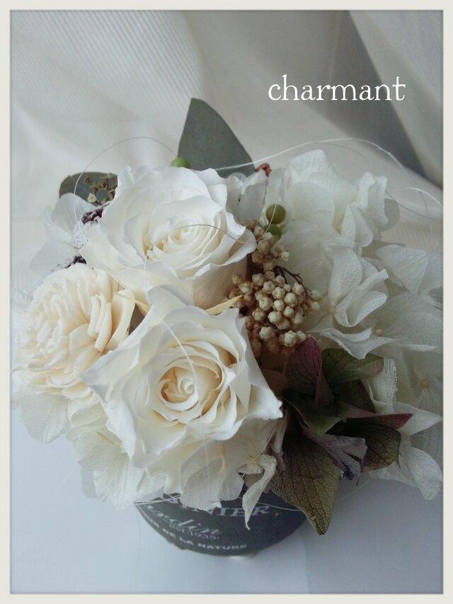 プリザーブドフラワー 白バラとユーカリ シャビーの画像1枚目