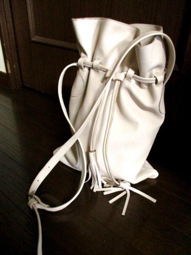 バッファローレザーの巾着風ショルダーバック.再販の画像1枚目