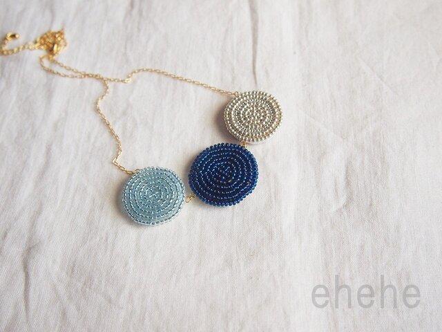 """[生産終了品]""""en-blue""""ビーズ刺繍ネックレスの画像1枚目"""
