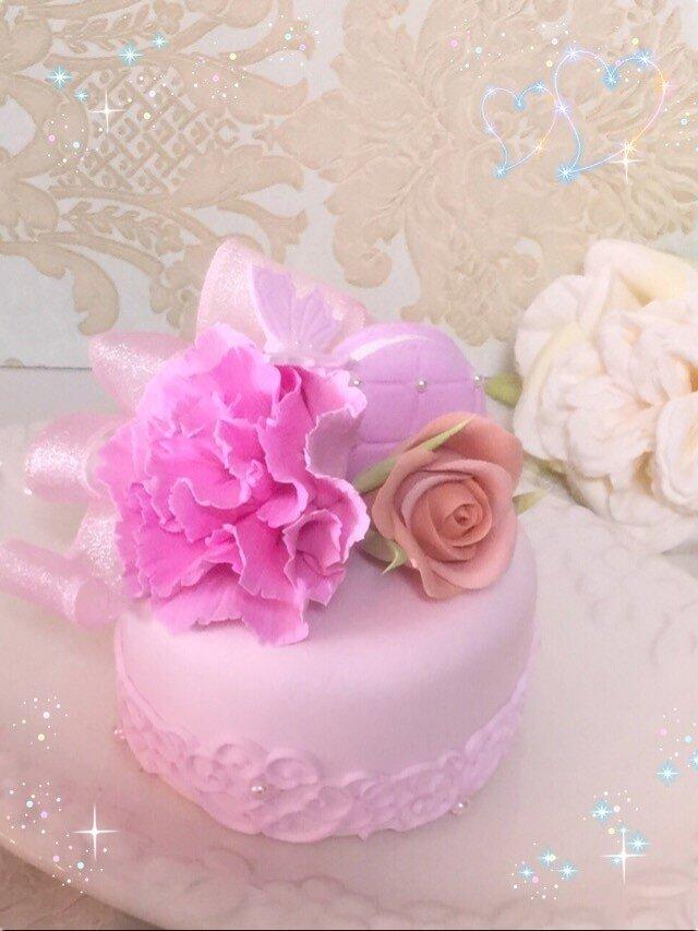 カーネーションのミニケーキの画像1枚目