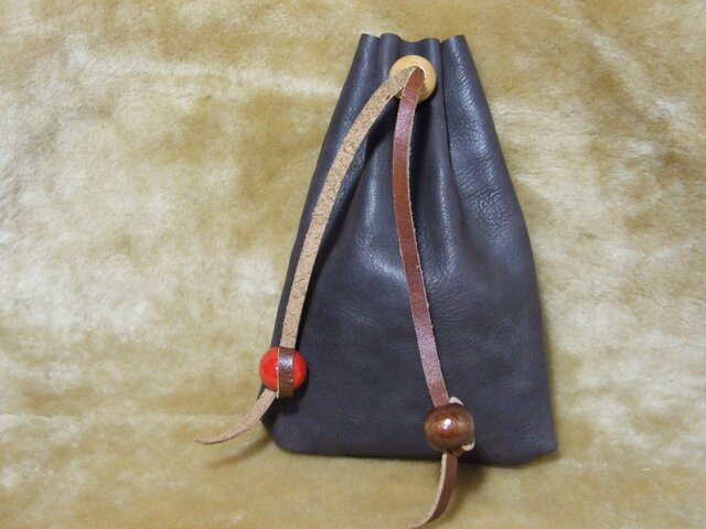 本革 手縫い巾着袋 (ダークブラウン シュリンク)の画像1枚目