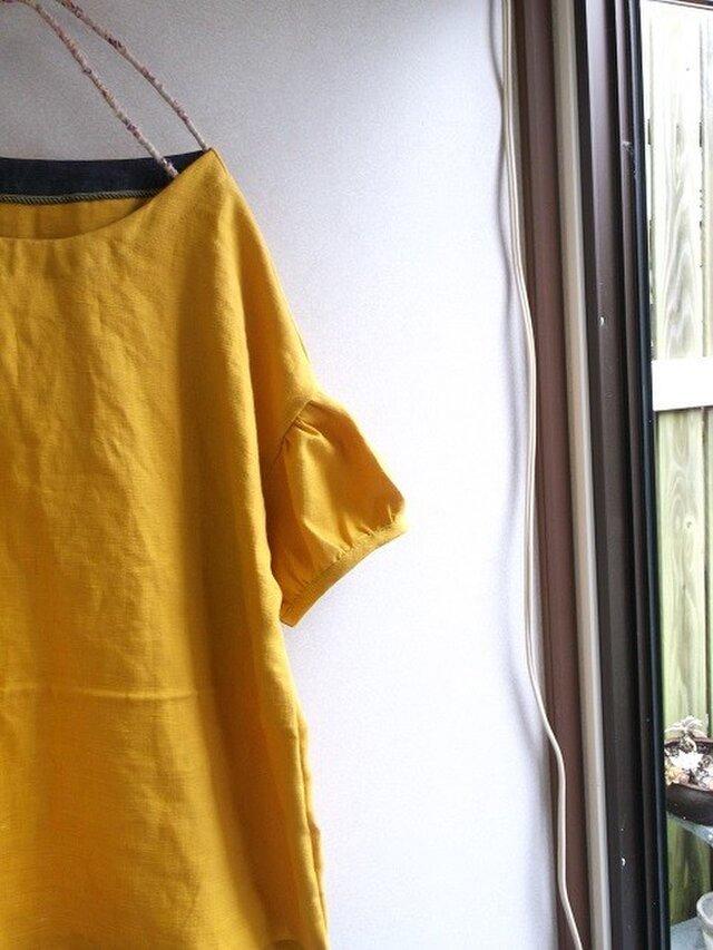 リネンパフ袖ブラウスの画像1枚目