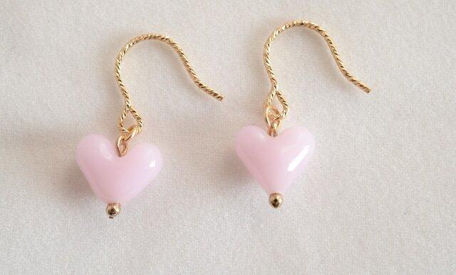 GLASS ハートフックピアス 白ピンクの画像1枚目