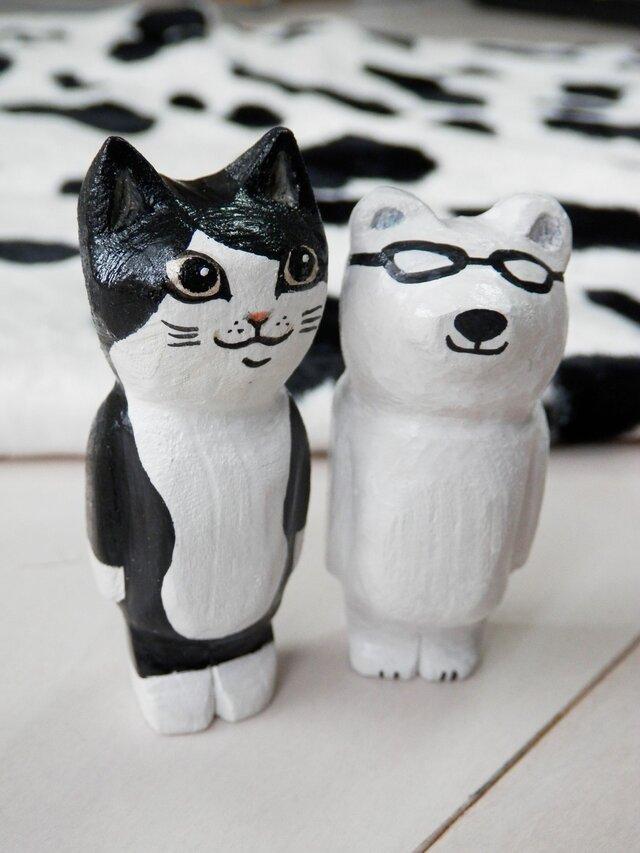 木彫り猫 白黒の画像1枚目